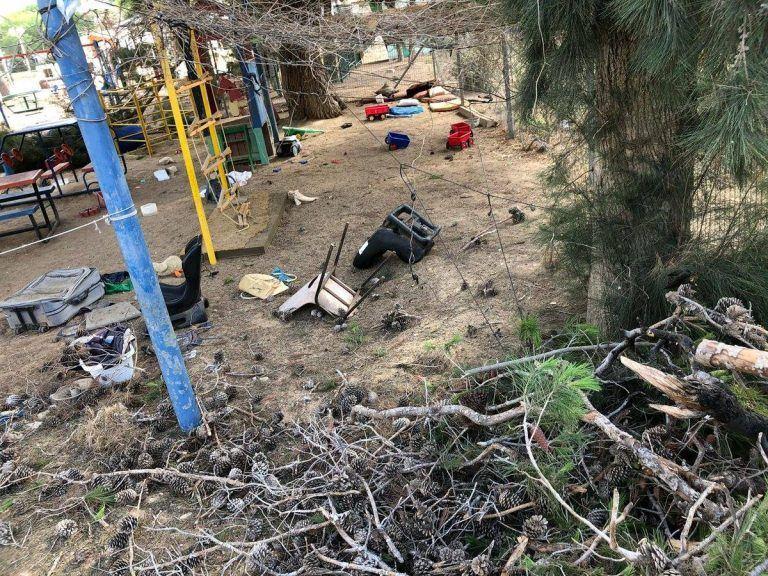 """גן ילדים ריק שנפגע מפצמ""""ר הבוקר בעוטף עזה, צילום: ידידיה הרוש)"""