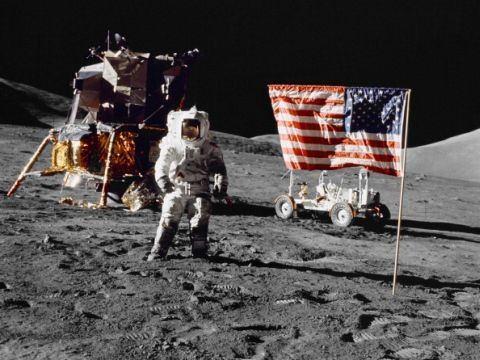 נחיתת האדם הראשון על הירח