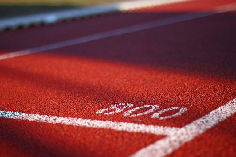 מסלול ריצה עם המספר 800